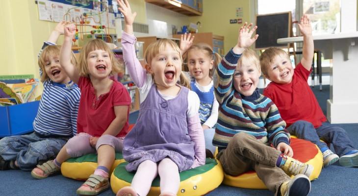 澳洲幼稚園小寶寶舉手回答問題