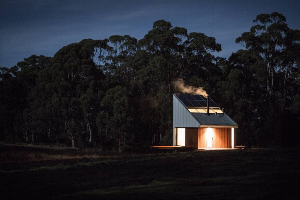 塔斯馬尼亞小木屋的炊煙